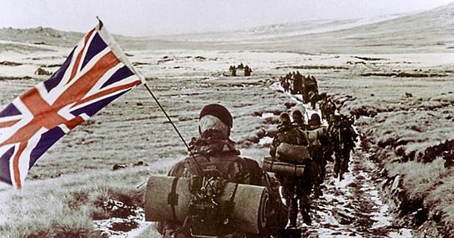 Guerra de las Malvinas (enfrentamiento bélico entre Argentina y Reino Unido que sucedió en las Islas Malvinas, Georgias del Sur y Sándwich del Sur).