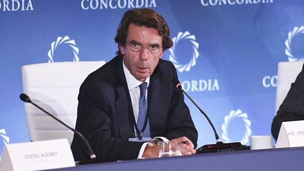 Aznar destituye a los altos cargos que se beneficiaron de contratos del AVE, entre ellos, familiares del presidente de Renfe.