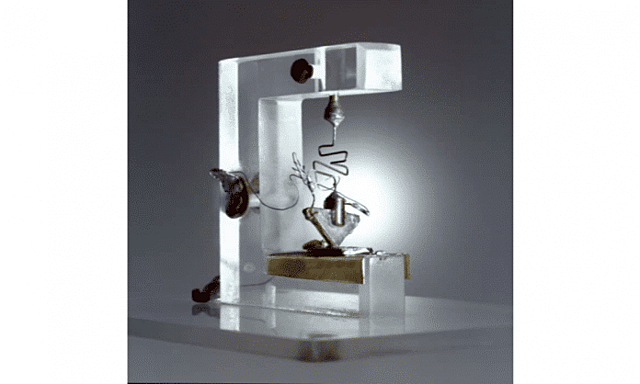 Invenção do transistor.