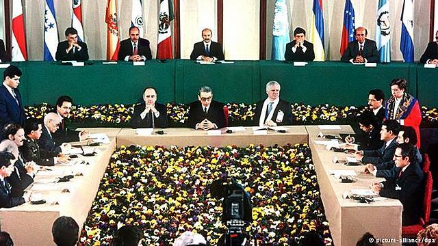 Firma de acuerdos de paz