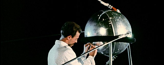 Primer satélite artificial