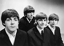 The Beatles (grupo inglés creado en 1962 compuesto por John Lennon,Paul McCartney,George Harrison y Ringo Starr.)