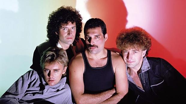 Queen (banda de rock británica fundada en 1970 por su cantante, Freddie Mercury:Brian May, Roger Taylor y John Deacon)