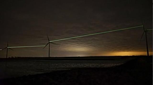 Windmolens met lichtstralen