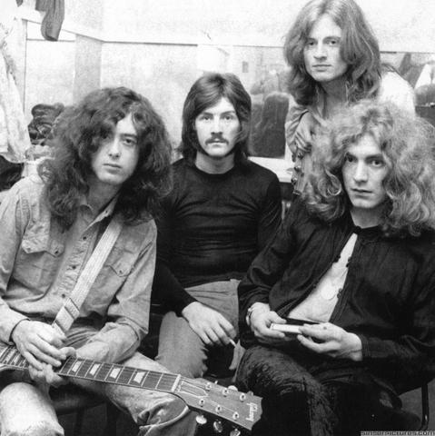 Led Zeppelin - Stairway To Heaven - Led Zeppelin IV