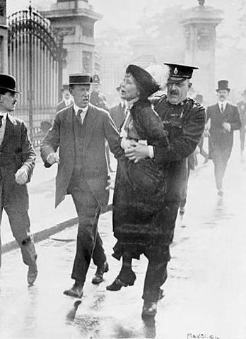 Liga en favor del derecho al voto de la mujer.