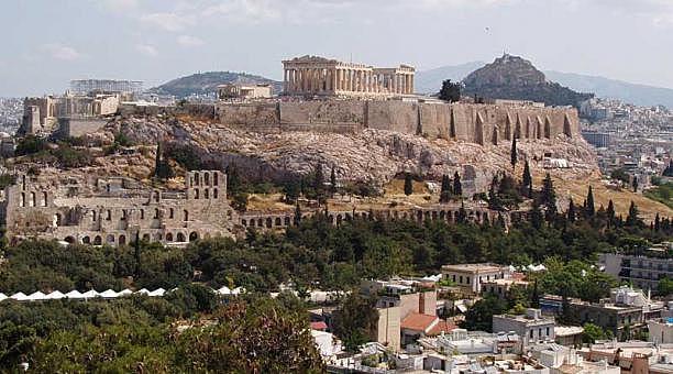 Surge el comercio de libros en la ciudad de Atenas.