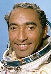 El cubano Arnaldo Tamayo se convierte en el primer latinoamericano que viaja el espacio.