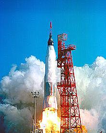 Primer astronauta de EEUU que orbita la Tierra