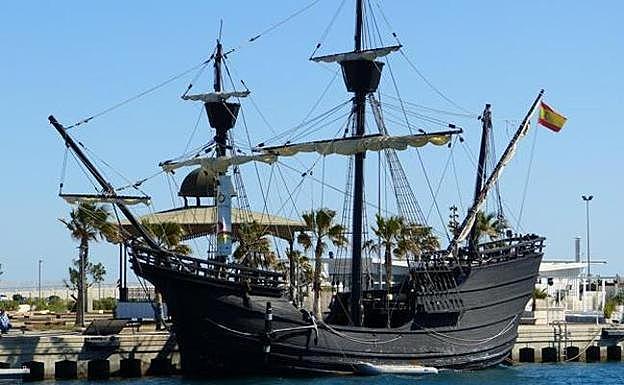 Victoria naoa eta hemezortzi marinel goseti  eta gaixo Cádizeko Sanlúcar  de Barrameda herriko portura iritsi ziren.