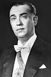 Juscelino Kubitschek é eleito presidente da República.