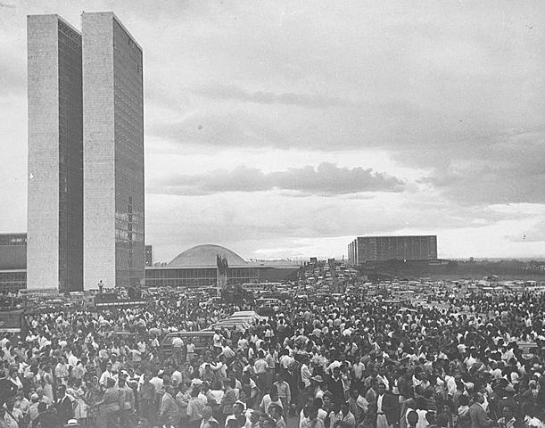 Inauguração da cidade de Brasília.