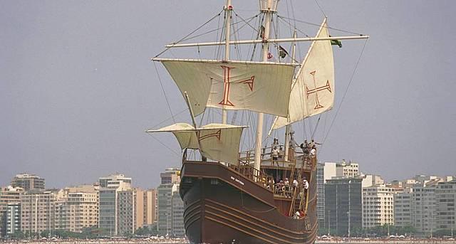 O país comemora os 500 anos do descobrimento.