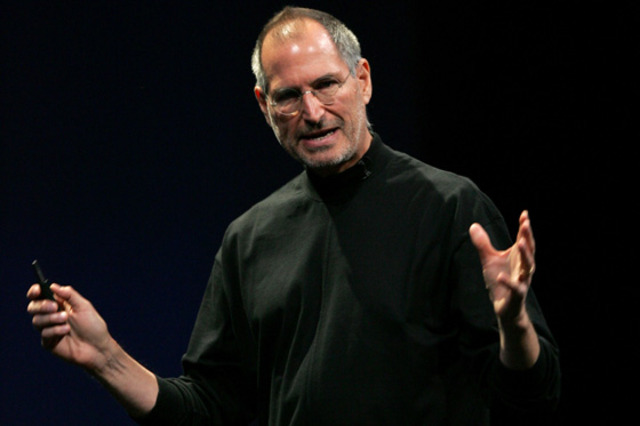 Jobs goes back to the Apple Company as interim CEO