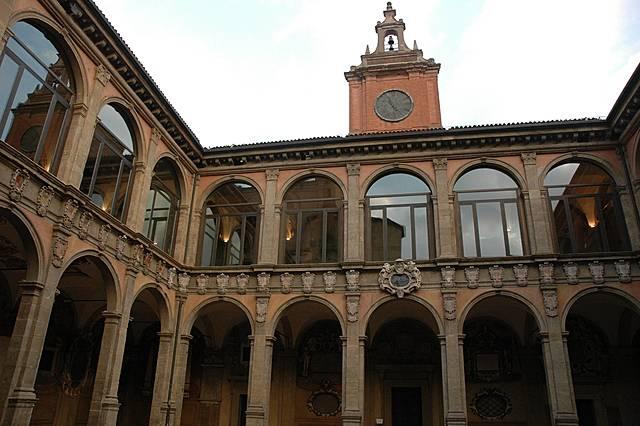 Surgimento das primeiras Universidades