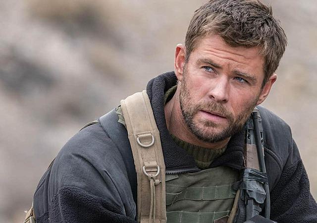 Chris Hemsworth in movie 12 Strong