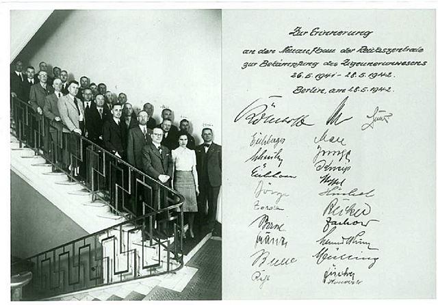 """""""Reichszentrale zur Bekämpfung des """"Zigeunerwesens"""" """" (RZBZ) - Bildquelle: Landesarchiv Berlin, F Rep. 290 Nr. 0410224 / Fotograf: k. A.."""