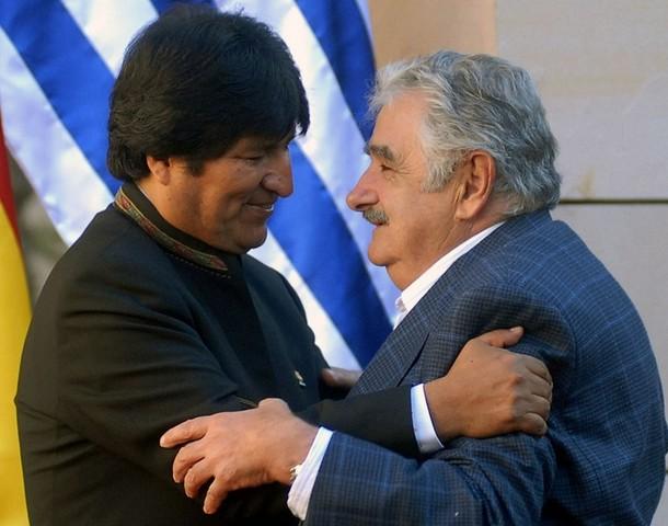 Mujica visita a Evo Morales