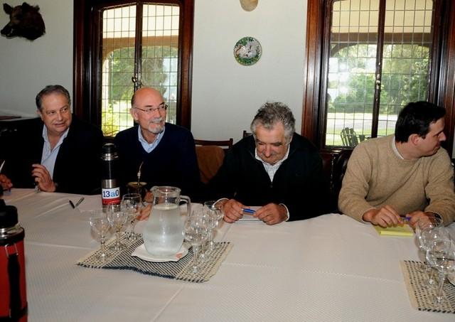 Mujica con intendentes en Anchorena