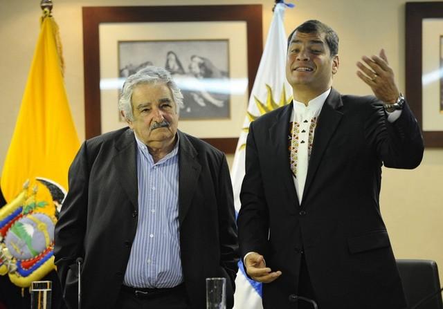 Mujica visita a Correa