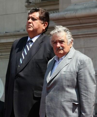 Mujica visita Perú.