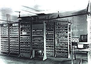 EDSAC (Electronic Delay Storage Automatic Calculator)