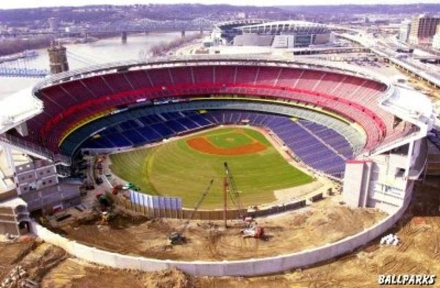 Riverfront Stadium Opens