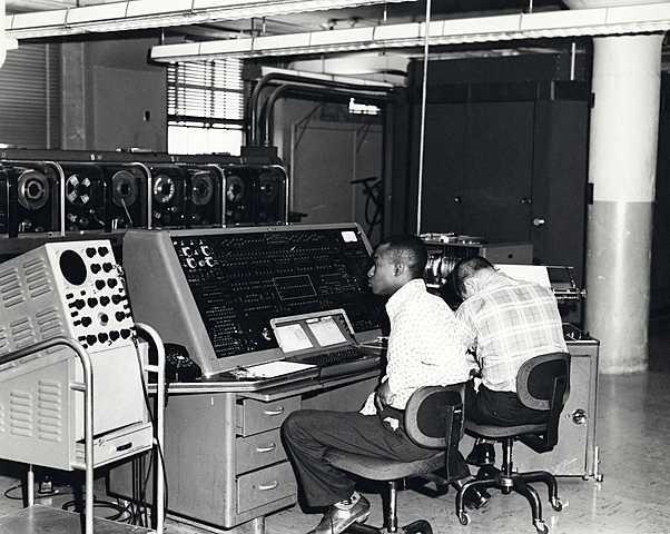 Large Electronic Computers: UNIVAC I