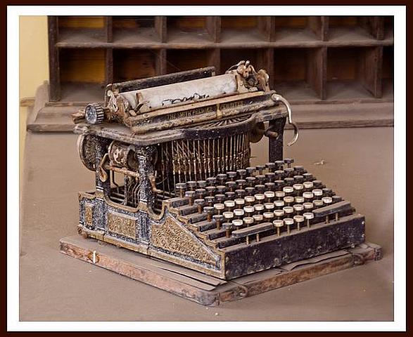 Typewriter- 1800s