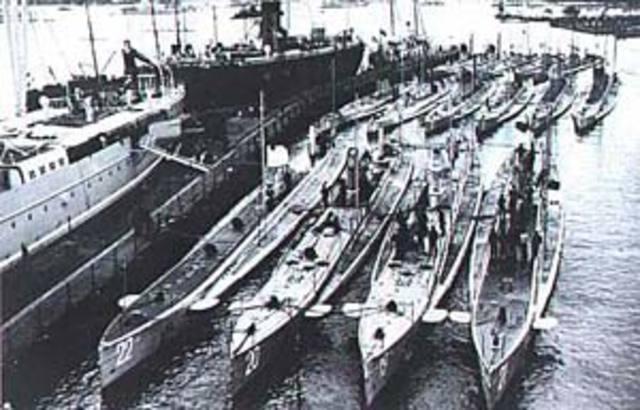 Resumption of unrestricted submarine warfare