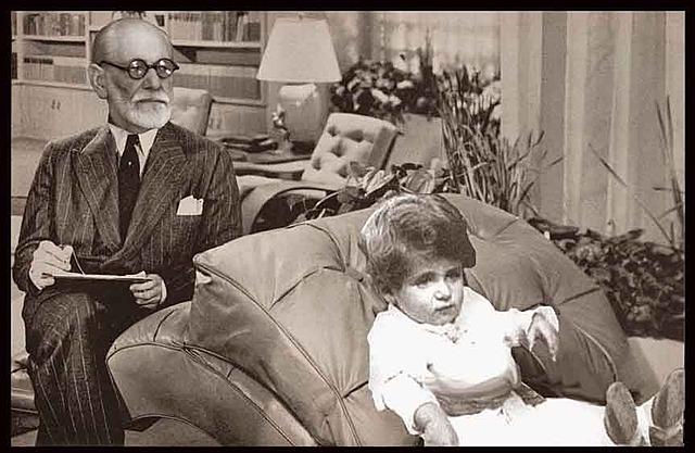 Sigmund Freud se gradua de médico