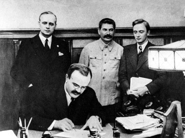 Пакт Молотова Риббентропа