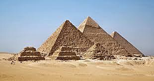 Construccion de piramides egicias.