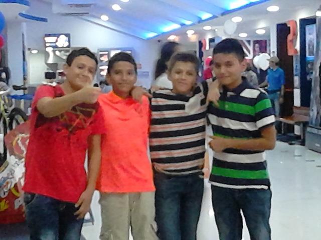 una salida a cine con compañeros del colegio