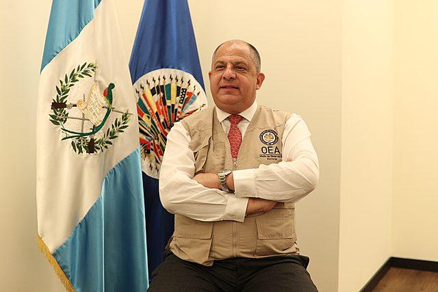 APOYO A LA CONSTRUCCIÓN DEL PROCESO DE DEMOCRATIZACIÓN Y ESTABLECIMIENTO DE LA PAZ EN GUATEMALA (1996 - 2003)
