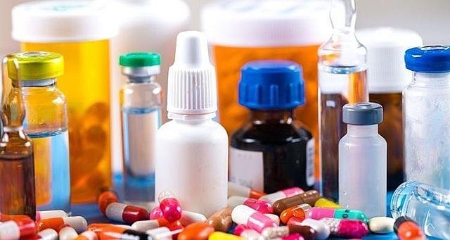 Primera lista de medicamentos esenciales.