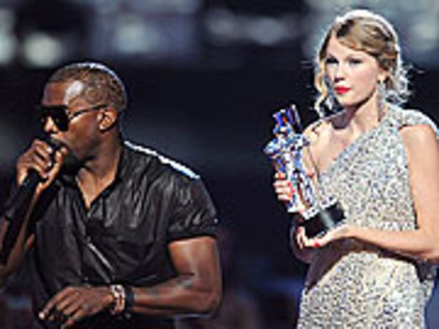Taylor Swift wins a VMA