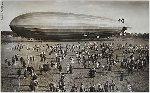1900: Se inventa el primer dirigible por Zepellin.
