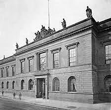 Leibniz organizo la Academias de Ciencias de Berlin