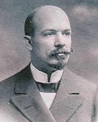 Oscar Amoedo, medico de origen cubano, publica su investigación El Arte Dental De La Odontología Forense, es considerado el padre de la odontología forense.