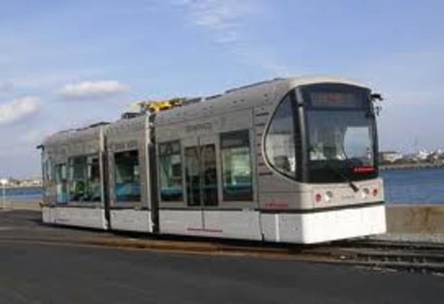 John Joseph Wright improves the electric streetcar