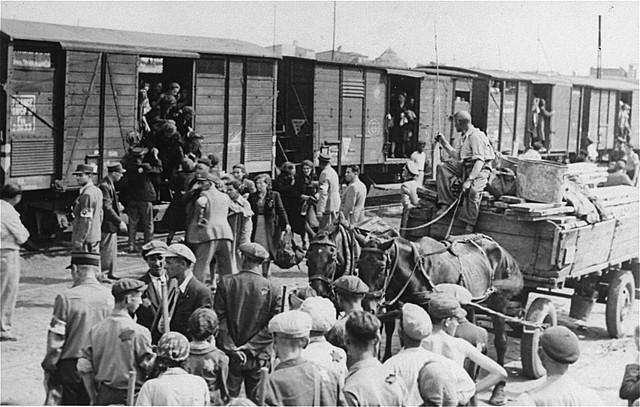 Απέλαση Εβραίων από το Γκέτο της Λόντζ στο Στρατόπεδο Εξόντωσης ΚΕΛΜΝΟ.