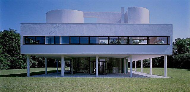 Racionalistas: Villa Savoye (Le Corbusier)