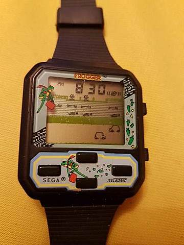 "Industrias Nelsonic ""Space Attacker"" reloj ordenador."