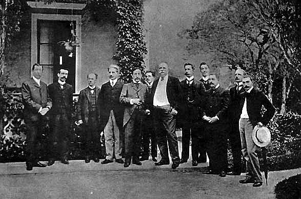 1903 - Tratado de Petrópolis: o Brasil compra o Acre, antes era território da Bolívia