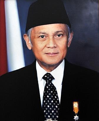 B.J.Habibi wafat di RSAD Gatot Subroto Jakarta