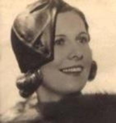 Capone marries Mae Josephine Coughlin