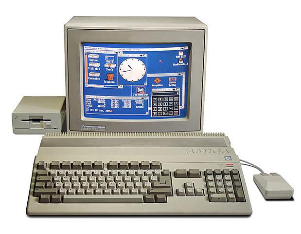 Máquina AMIGA 1000 PC