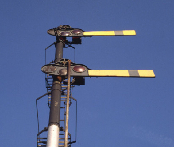 mechanical semaphore invented-france