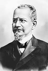 Rodrigues Alves Assume a presidência.
